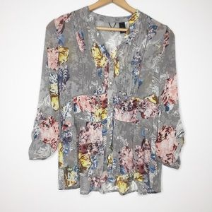 Gimmicks by BKL gray floral blouse silver buttons